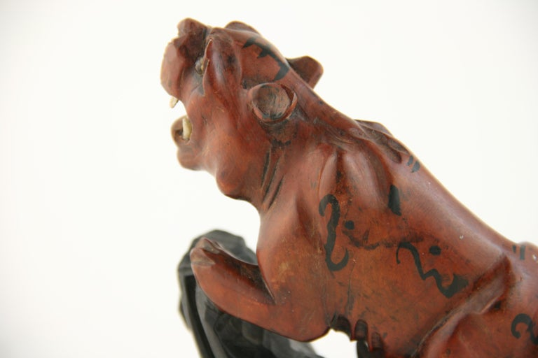 Japanese Carved Wood Tiger with Glass Eyes, circa 1920s For Sale 3