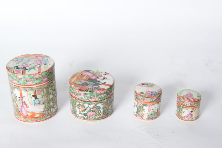 Early 20th Century Japanese Ceramic Jar Set For Sale