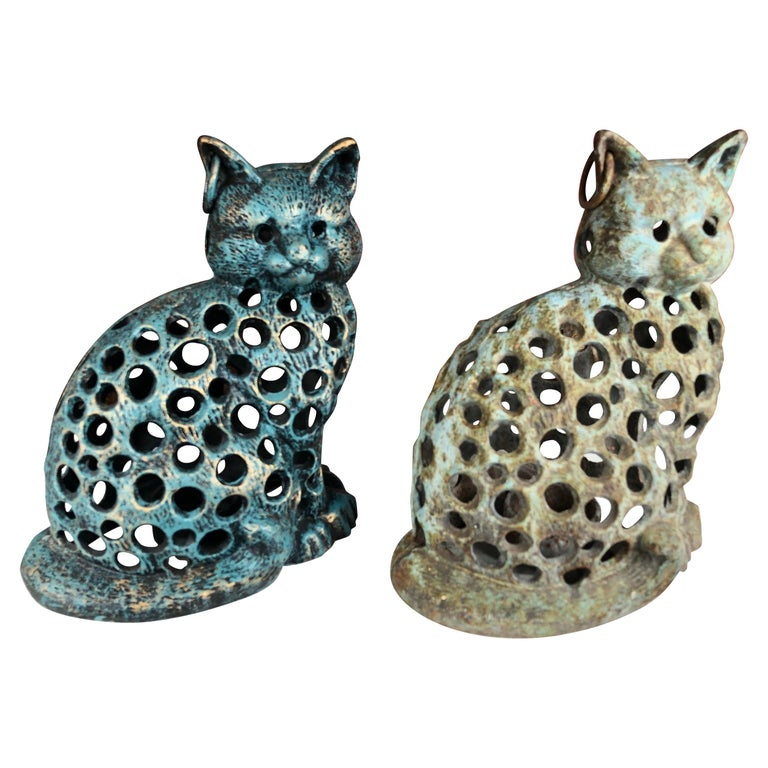 """Japanese Charming Pair of """"Blue Cats"""" Garden Lanterns For Sale"""
