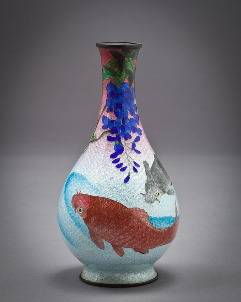 Japanese Cloisonne Bud Vase, Meiji Period, circa 1880 In Good Condition For Sale In New York, NY