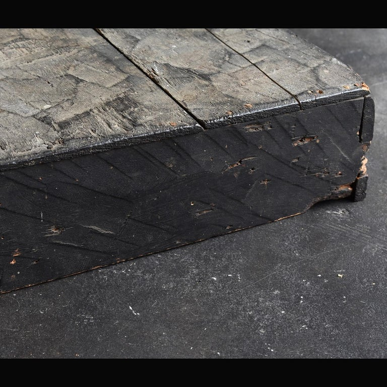Japanese Edo Period '18th-19th Century' Wooden Box Lid For Sale 6