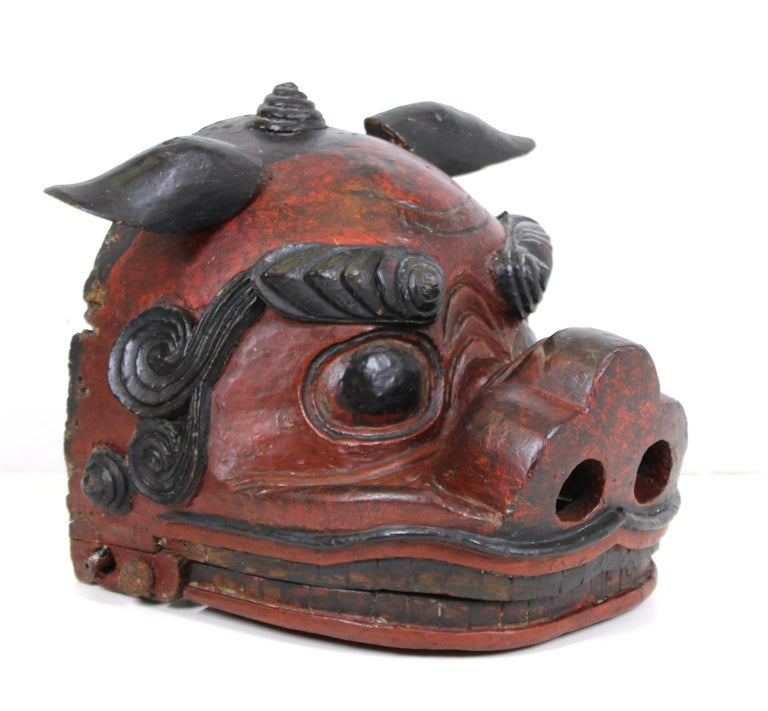 Japanese Edo Period Lion Mask In Good Condition For Sale In New York, NY