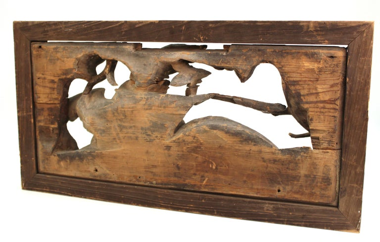 Japanese Edo Period Wood Temple Carving with Doves In Good Condition For Sale In New York, NY