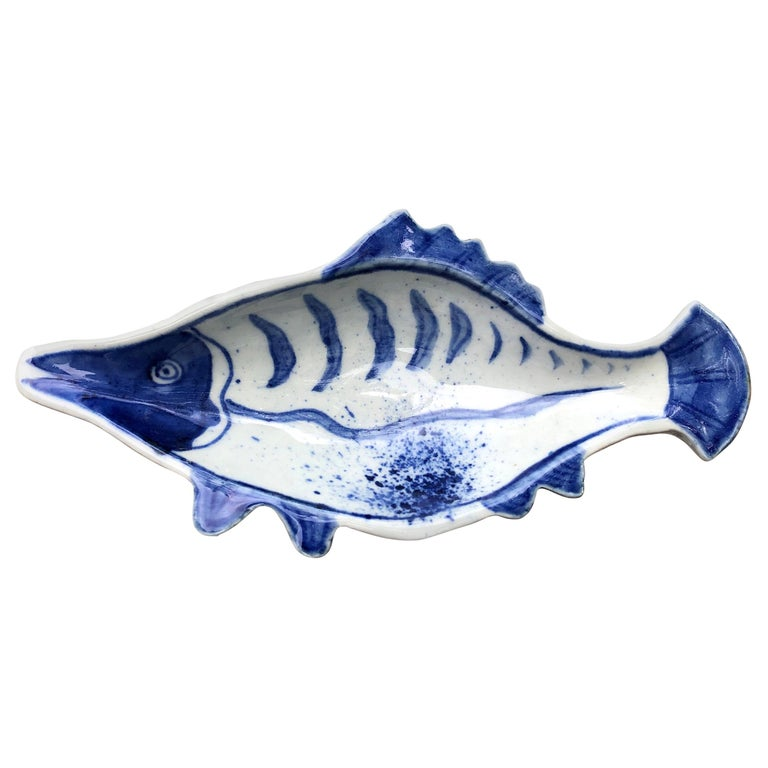 Japanese Five Hand Painted Blue and White Fish Condiment Plates Nautical Delight For Sale