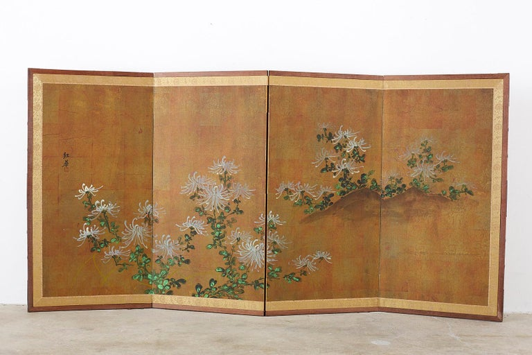 Japanese Four Panel Screen White Chrysanthemums on Gilt For Sale 8