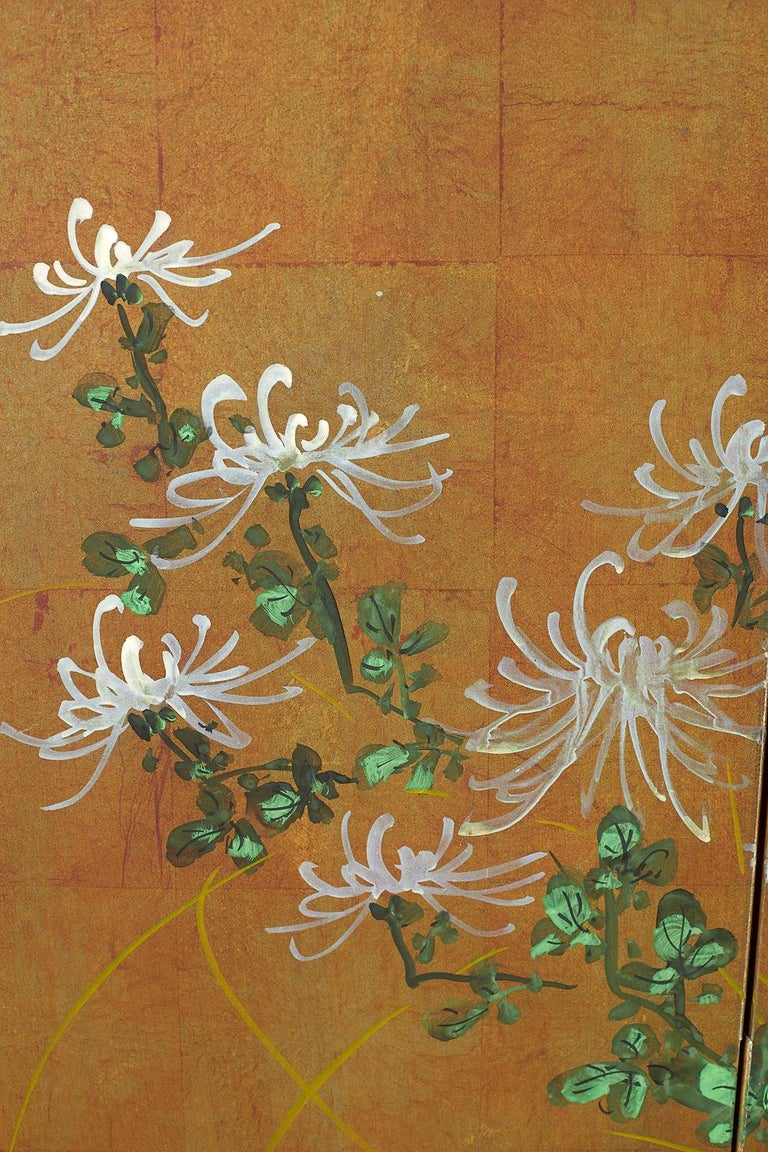 Japanese Four Panel Screen White Chrysanthemums on Gilt For Sale 3