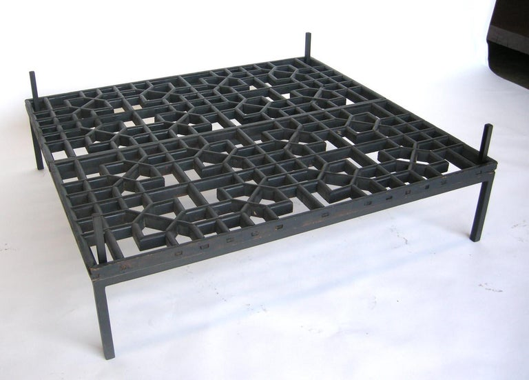 Japanese Fret Work Wooden Lattice Coffee Table with Glass Top In Good Condition For Sale In Los Angeles, CA