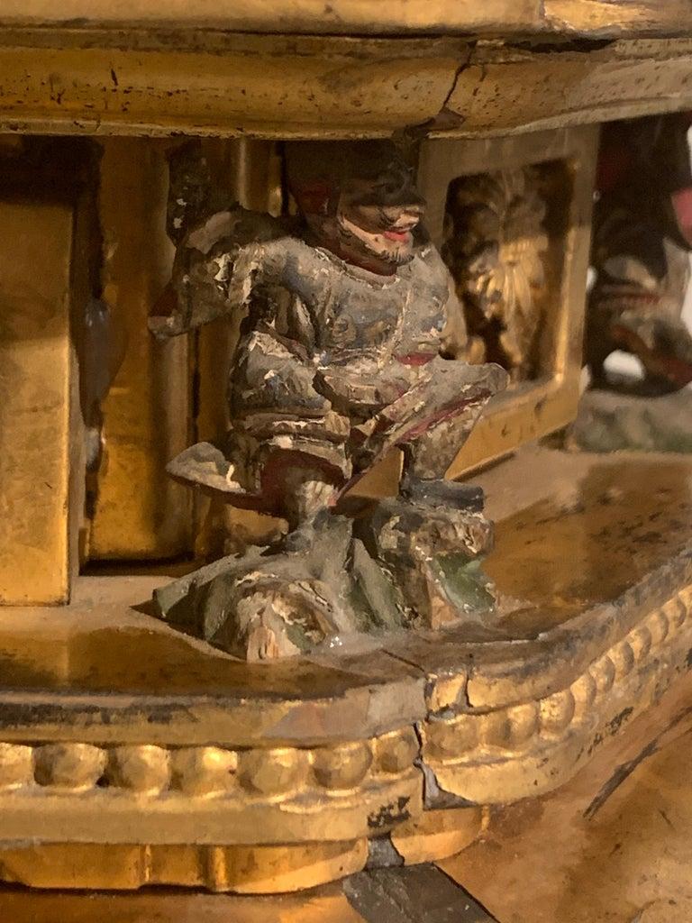 Japanese Giltwood Medicine Buddha, Yakushi Nyorai, Edo Period, Late 18th Century For Sale 7