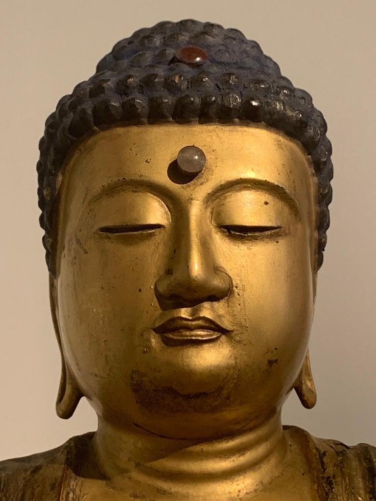 Japanese Giltwood Medicine Buddha, Yakushi Nyorai, Edo Period, Late 18th Century For Sale 11