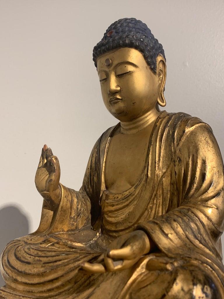Japanese Giltwood Medicine Buddha, Yakushi Nyorai, Edo Period, Late 18th Century For Sale 12