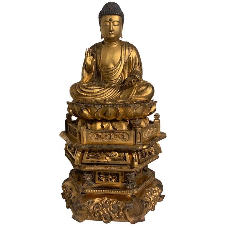 Japanese Giltwood Medicine Buddha, Yakushi Nyorai, Edo Period, Late 18th Century For Sale
