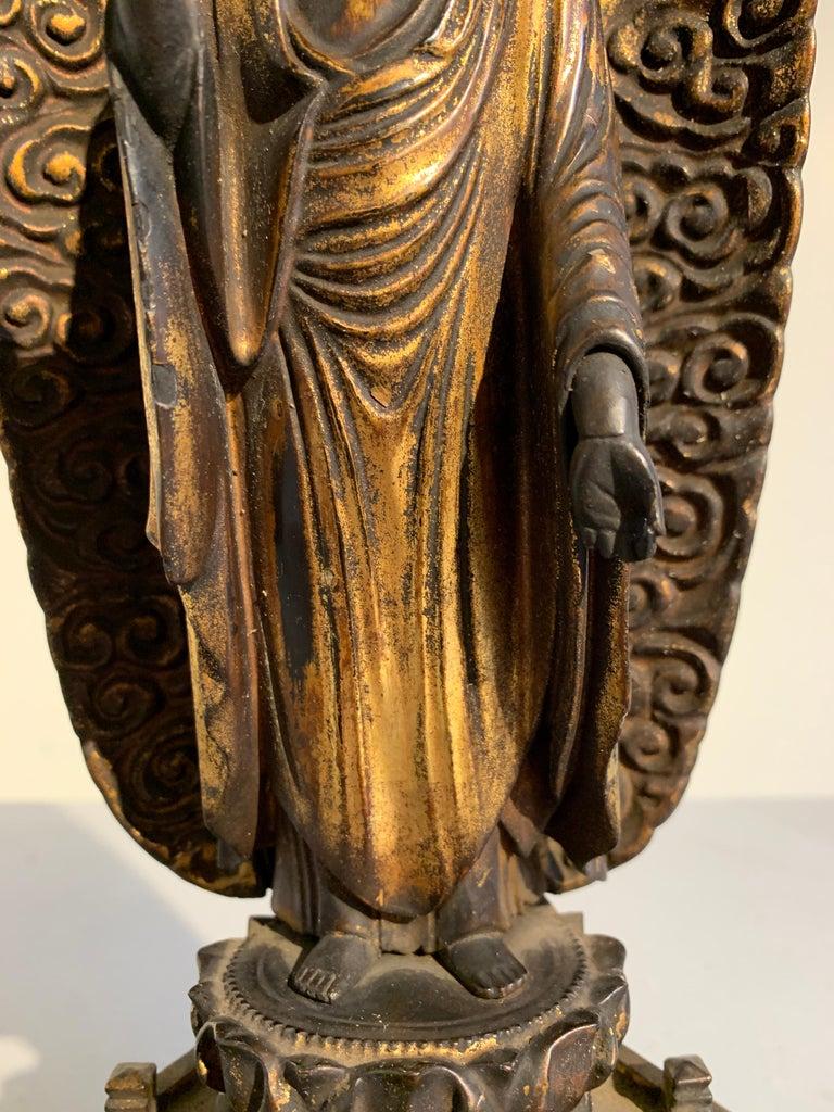 Japanese Giltwood Standing Amida Raigo Buddha, Edo Period, Early 19th century For Sale 4