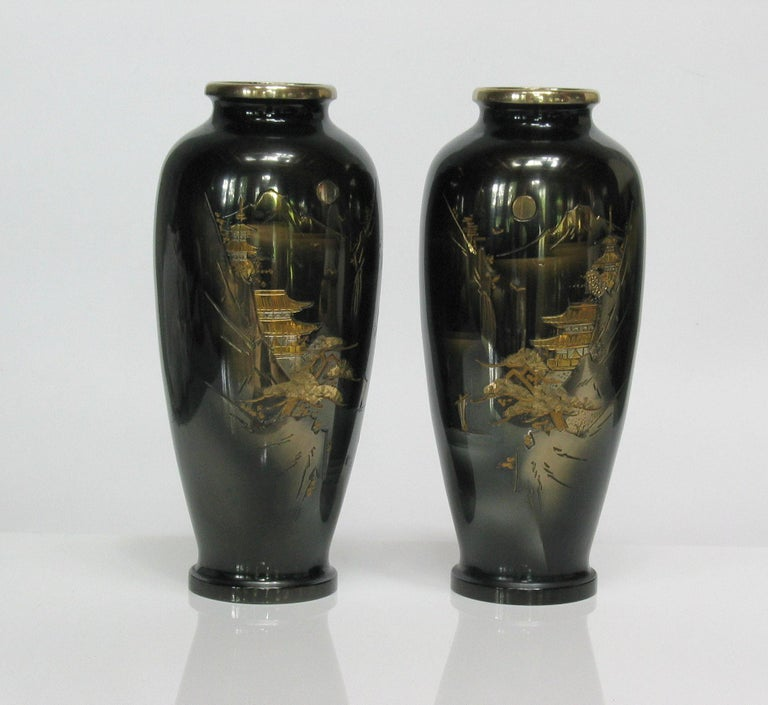 Japanese Ginbari Cloisonne Enamel Vase & Pair of Patinated Bronze Engraved Vases For Sale 2