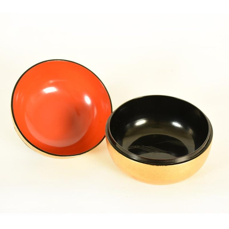 Early 20th Century Japanese Gold Lacquer Container or Lidded Bowl in the Shape of a Nashi Pear