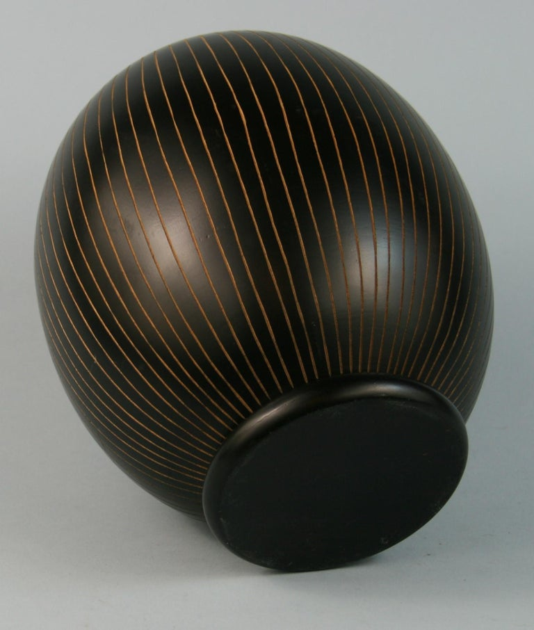 Japanese Hand Turned Wood Vase with Concentric Groves For Sale 2