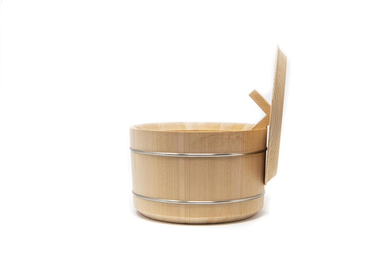 Japanese Hinoki Cypress Wood Rice Container 'Shōri' In New Condition For Sale In Milan, IT