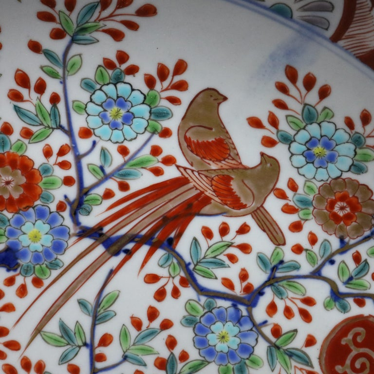 Japanese Imari Hand Enameled Porcelain Pictorial Charger In Good Condition For Sale In Big Flats, NY