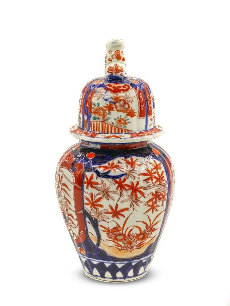 Japanese Imari Vase, Japan, Early 20th Century In Good Condition For Sale In Roma, IT
