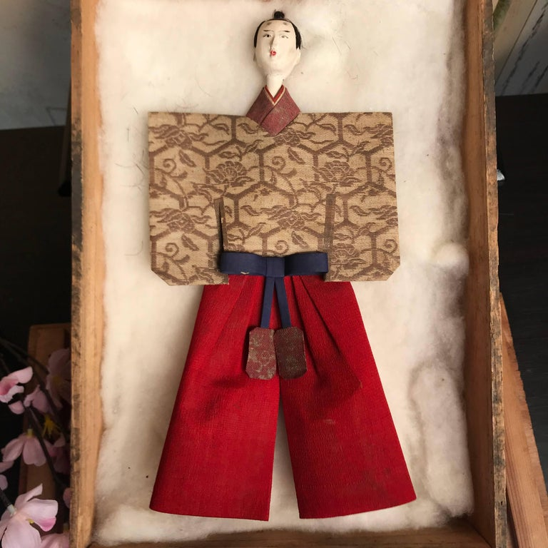Japanese Imperial Couple Pair of Dolls, 1840 In Good Condition For Sale In Shelburne, VT