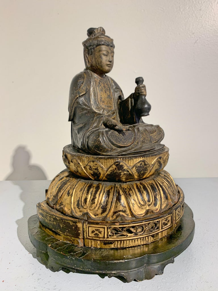 Cypress Japanese Lacquer and Giltwood Kannon, Edo Period, Japan For Sale