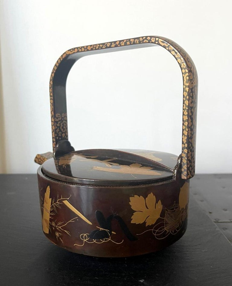 Late 19th Century Japanese Lacquer Maki-e Sake Ewer Meiji Period For Sale