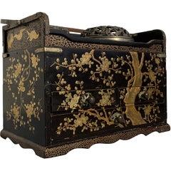 Japanese Lacquer Smoking Box, Tabako Bon, Edo Period, 19th Century