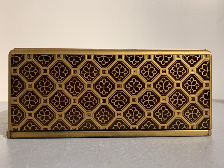 Japanese Lacquer Sutra Box with Imperial Mon, Kyobako, Edo Period, 18th Century For Sale 6