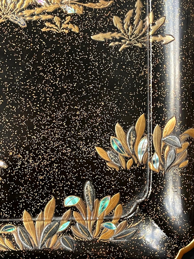 Japonisme Japanese Lacquer Tray with Maki-e and Inlay Hara Yoyusai Edo Period For Sale
