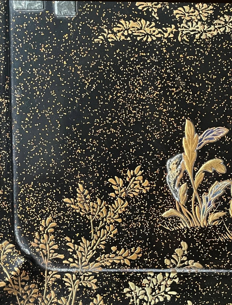 19th Century Japanese Lacquer Tray with Maki-e and Inlay Hara Yoyusai Edo Period For Sale