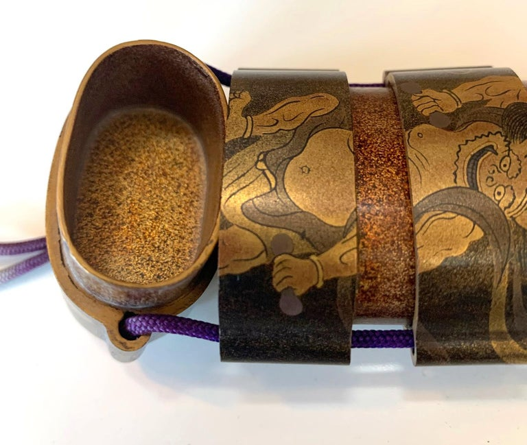 Japanese Lacquered Inro and Netsuke with Raijin Rinpa School For Sale 3