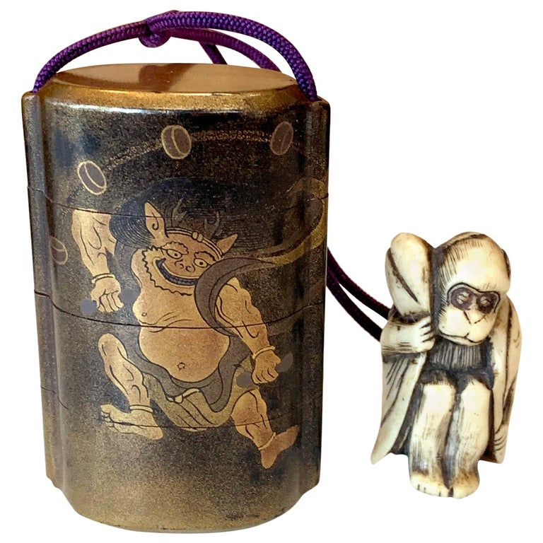 Japanese Lacquered Inro and Netsuke with Raijin Rinpa School For Sale
