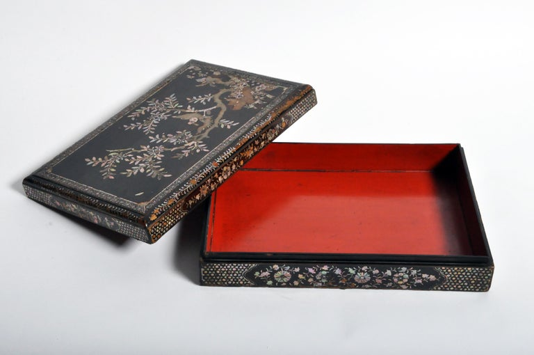 Japanese Lacquerware Box with Mother of Pearl For Sale 8