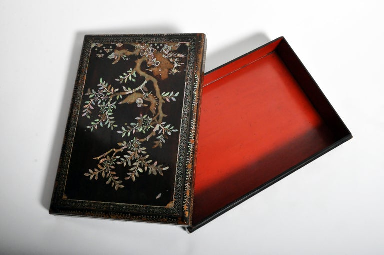 Japanese Lacquerware Box with Mother of Pearl For Sale 13