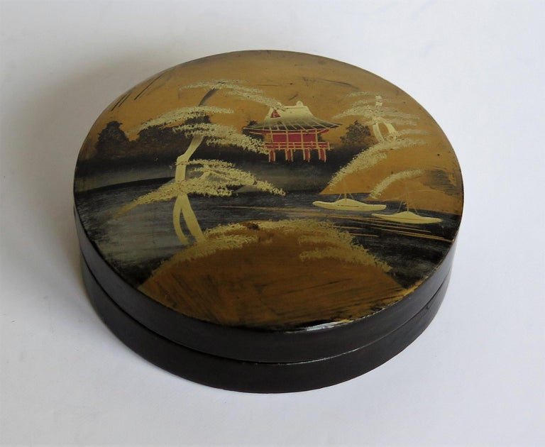 Lacquered Japanese Laquered Box and Lid Hand Painted Scene, Meiji Period, circa 1900 For Sale
