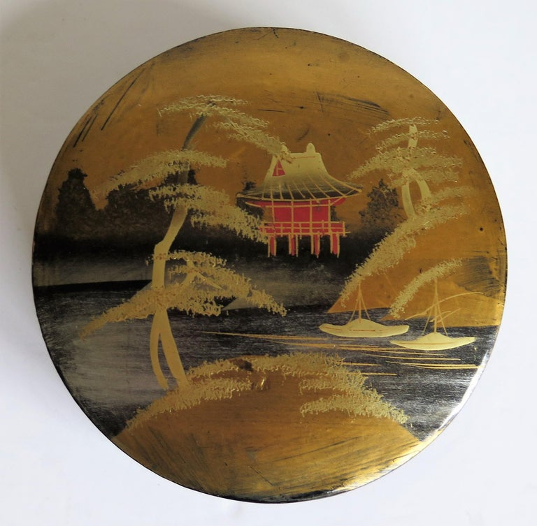 20th Century Japanese Laquered Box and Lid Hand Painted Scene, Meiji Period, circa 1900 For Sale