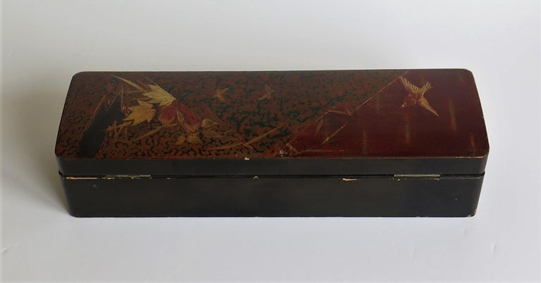 Japanese Laquered Box with Hinged Lid and Lock, Taisho Period, circa 1920 For Sale 4