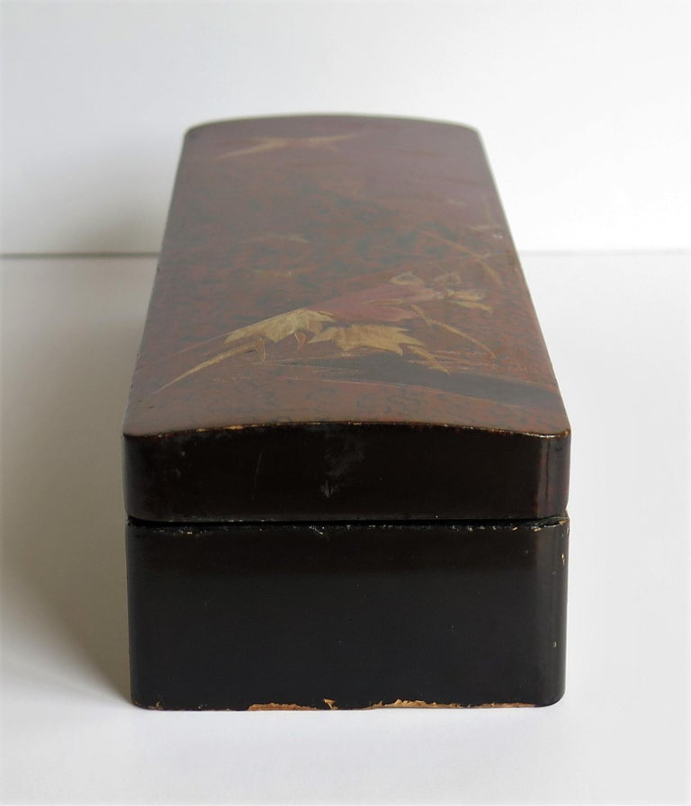 Japanese Laquered Box with Hinged Lid and Lock, Taisho Period, circa 1920 For Sale 5