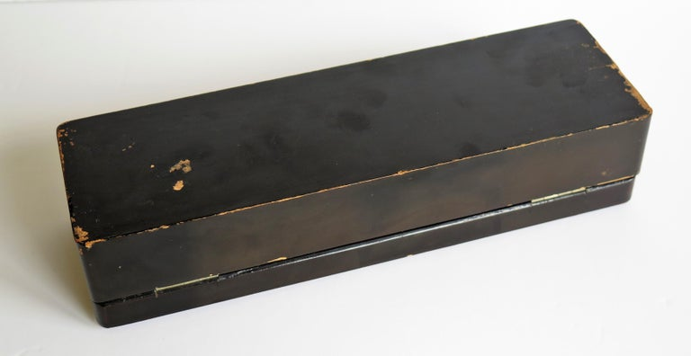 Japanese Laquered Box with Hinged Lid and Lock, Taisho Period, circa 1920 For Sale 13