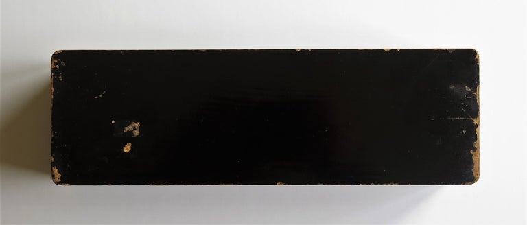 Japanese Laquered Box with Hinged Lid and Lock, Taisho Period, circa 1920 For Sale 14