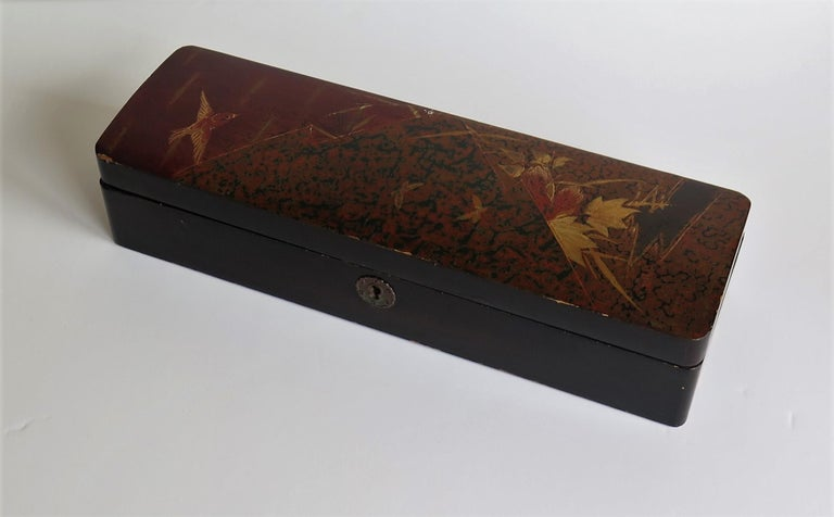 Japanese Laquered Box with Hinged Lid and Lock, Taisho Period, circa 1920 For Sale 3