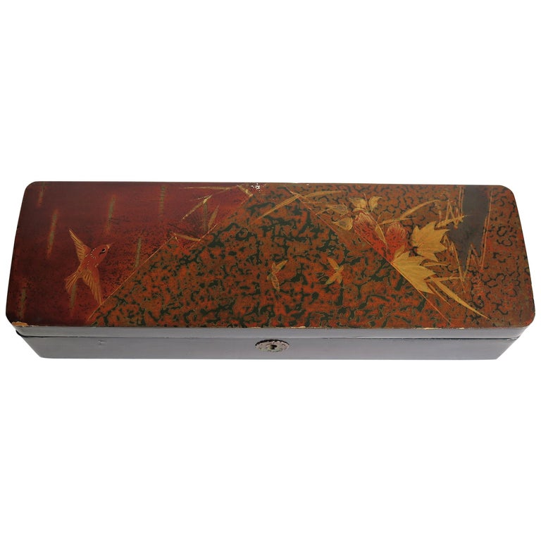Japanese Laquered Box with Hinged Lid and Lock, Taisho Period, circa 1920 For Sale