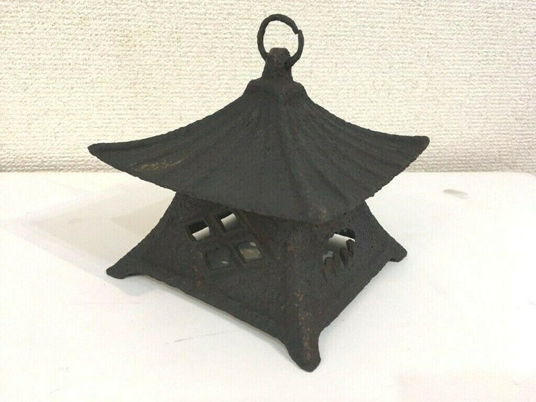 Japanese Large Antique Tea House Lantern and Wind Chime, Fine Details 150 Years For Sale 7
