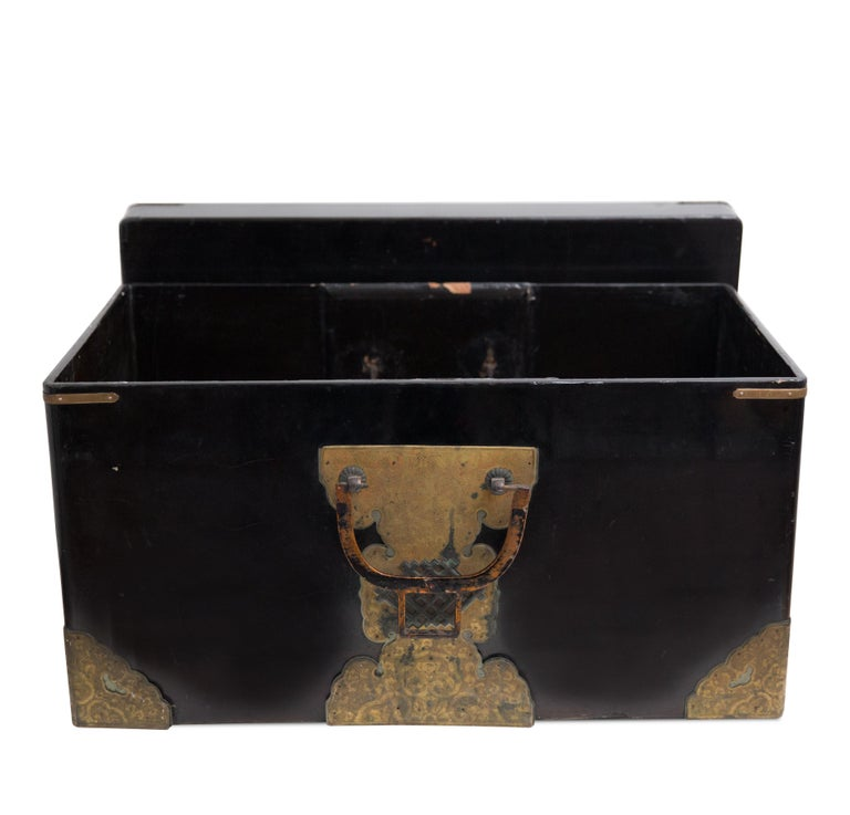 Japanese Meiji Brass Decorated Lacquered Wood Traveling Chest In Fair Condition For Sale In Hudson, NY
