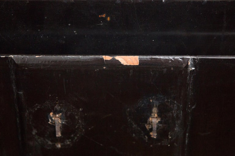 19th Century Japanese Meiji Brass Decorated Lacquered Wood Traveling Chest For Sale