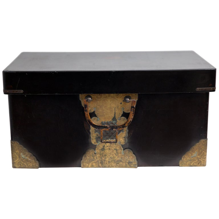 Japanese Meiji Brass Decorated Lacquered Wood Traveling Chest For Sale