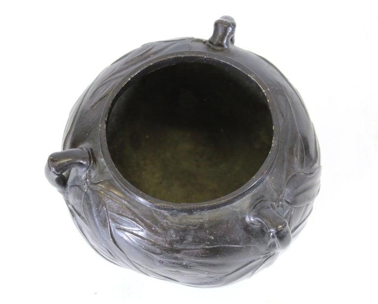 Japanese Meiji Bronze Tripod Vessel For Sale 4