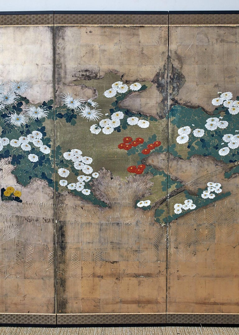 Japanese Meiji Four Panel Screen Chrysanthemums Along a Fence In Good Condition For Sale In Oakland, CA
