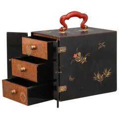 Japanese Meiji Lacquered Jewelry Chest with Carnelian Handle