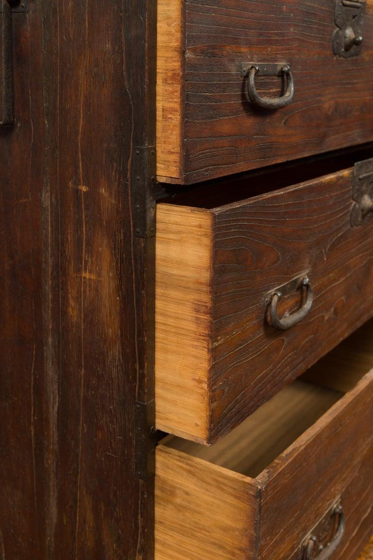 Japanese Meiji Period 19th Century Keyaki Wood Tansu Three-Drawer Clothing Chest For Sale 7