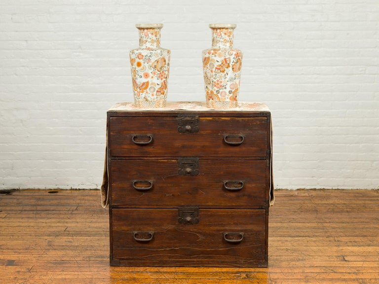 Japanese Meiji Period 19th Century Keyaki Wood Tansu Three-Drawer Clothing Chest In Good Condition For Sale In Yonkers, NY
